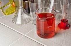 用于化工实验的实验室玻璃器皿 库存照片