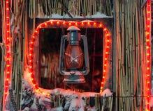 用于圣诞装饰的老生锈的煤气灯 免版税库存图片