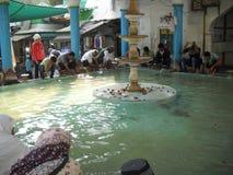 用于auju的这纯净的水祈祷穆斯林 免版税库存照片