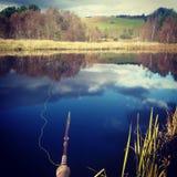 用假蝇钓鱼苏格兰斑鳟 图库摄影