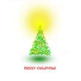 用光由五颜六色的星制成和装饰的圣诞树在上面 免版税库存照片