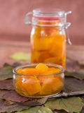 用卤汁泡的自创南瓜甜和酸在玻璃 库存图片