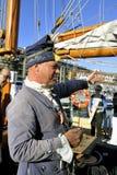用古老服装装饰的水手 免版税库存图片