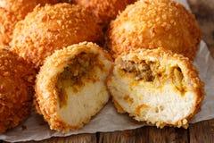 用咖喱kare在pap的平底锅宏指令充塞的自创日本面包 库存图片
