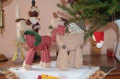 用圣诞节动机装饰的餐具柜 库存图片