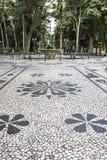 用在OsA将军³里约广场的路面的葡萄牙石头做的马赛克 库存照片