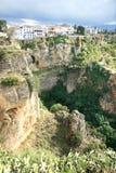 用增白剂擦镇岩石朗达西班牙 库存照片