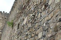 用大石头修筑的高堡垒墙壁 免版税库存图片