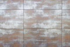 用委员会盖的墙壁 免版税库存图片
