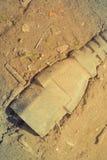 用尘土盖的老被放弃的电火花塞 库存图片