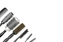 用工具加工在白色孤立的美发师顶视图 免版税库存照片
