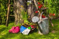 用工具加工设备工作春天庭院 库存照片