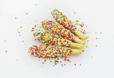 用彩虹涂的饼干棍子 免版税图库摄影