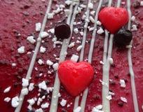 用心脏装饰的蛋糕 库存照片