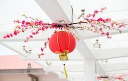 用挂中国灯笼装饰的天花板 免版税库存图片