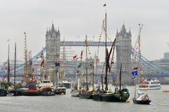 用旗子装饰的小船 免版税库存照片