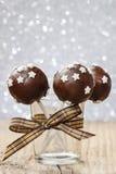 用星装饰的巧克力蛋糕流行音乐 免版税图库摄影