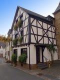 用木材建造的古老德国半房子 免版税图库摄影