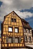 用木材建造的科尔马半房子 免版税库存照片