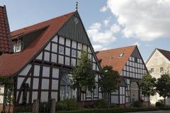 用木材建造的房子在巴德埃森, Osnabrueck国家,下萨克森州,德国 库存照片
