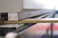 用机器制造木材加工 免版税库存图片