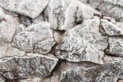 用树冰盖的石头 库存照片