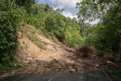 用泥流程盖的路 免版税库存照片