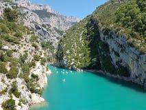 用浆划在峡谷du维登,普罗旺斯阿尔卑斯,法国 库存照片