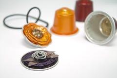 用浓咖啡胶囊做的DIY首饰 免版税库存图片