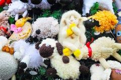 用玩具装饰的圣诞树的片段 库存图片