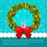 用球装饰的圣诞节花圈,星和 免版税库存图片