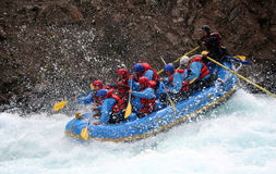 用筏子运送河 免版税图库摄影