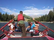 用筏子运送河 库存照片