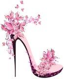 用蝴蝶装饰的高跟鞋