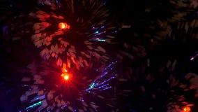 用诗歌选装饰的美丽的圣诞树发光与在圣诞树的色的光在儿童房间 股票视频