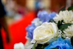 用隆重装饰的人造花 库存图片