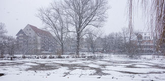 用雪冬天风景都市风景盖 免版税库存照片