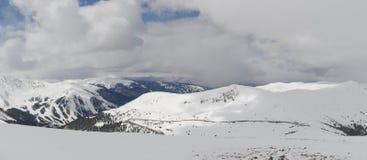 用雪盖的科罗拉多山 免版税库存照片