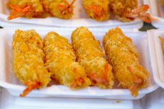 用面包屑涂的油煎的虾 免版税库存照片