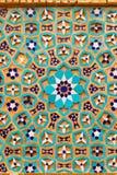 用颜色瓦片马赛克镶嵌的美丽的老砖,伊朗 免版税图库摄影