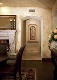 用餐现代门道入口的家 库存照片