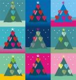 用鸟心脏兔宝宝和雪人装饰的圣诞树 库存照片