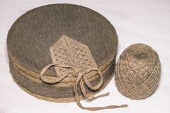 用织品和麻线盖的箱子 免版税图库摄影