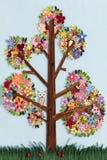 用quilling的艺术做的树 免版税库存图片