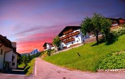 田园诗夏天风景全景在阿尔卑斯 库存图片