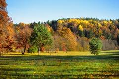 田园诗秋天风景在立陶宛 免版税库存图片