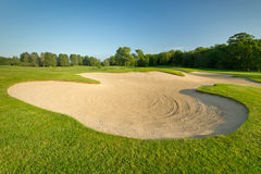 田园诗路线的高尔夫球 免版税库存照片