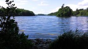 由一个湖的看法在菲英岛,丹麦 库存图片