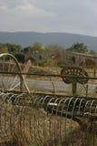 由一座桥梁的古色古香的干草机在Luberon法国 库存照片