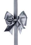由丝绸丝带做的灰色弓 库存图片